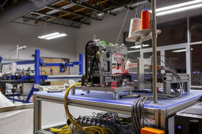 viet robot sew machine